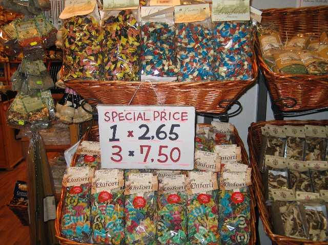 pastacomesinhorrifyingcolors.jpg